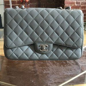 Handbags - Caviar quilted medium single flap bag